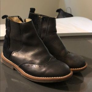 Suede and leather Chelsea boot